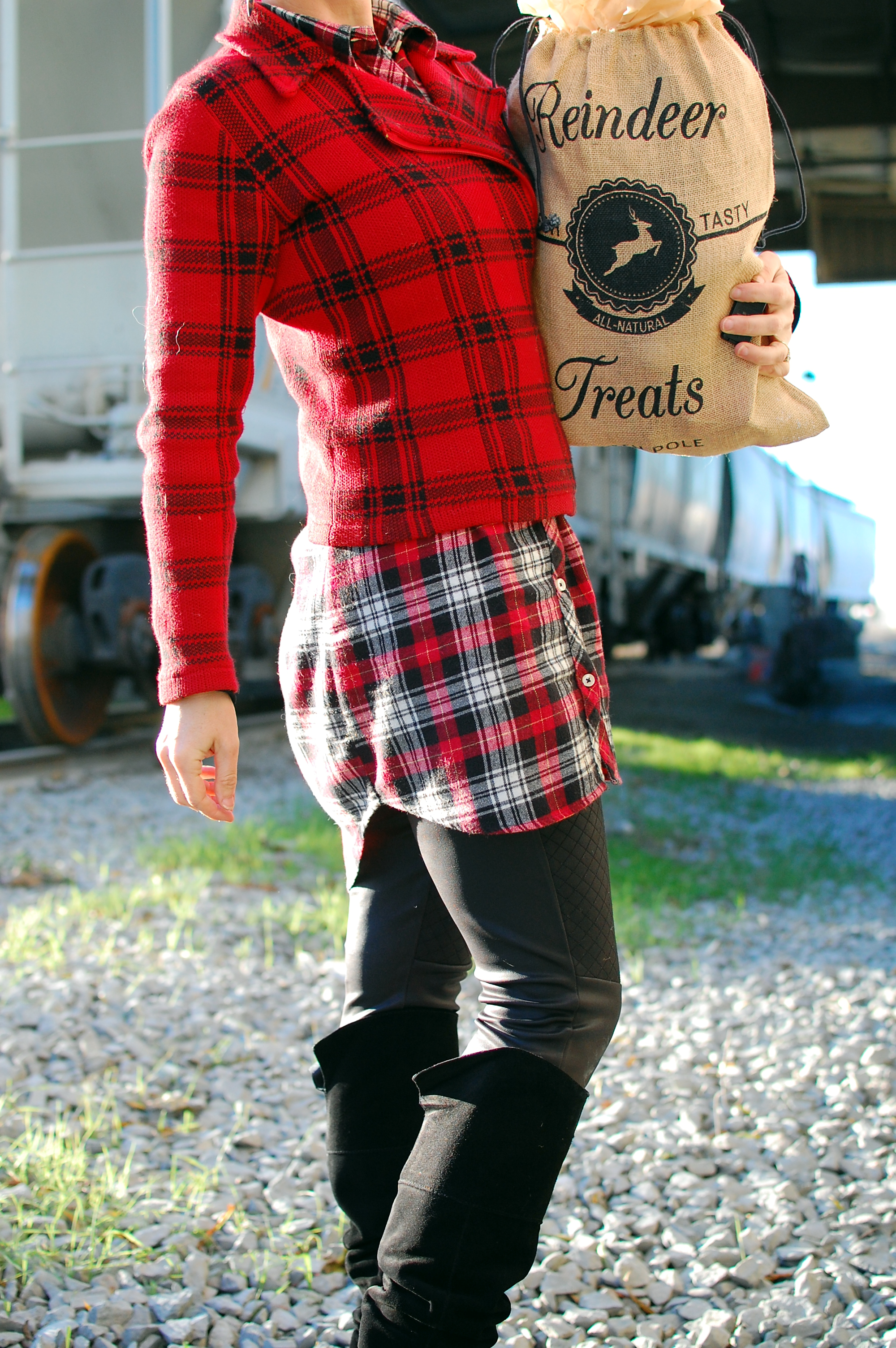 holiday ootd outfit style plaid red black pattern mix