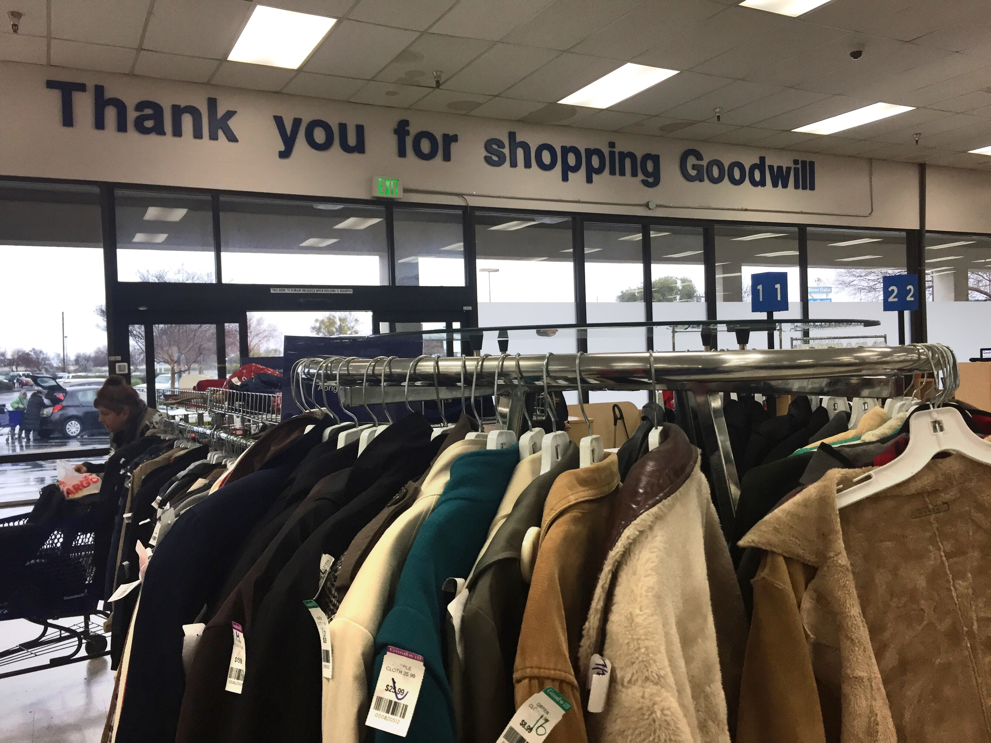 goodwill sacramento florin road thirift thrifting shop shopping