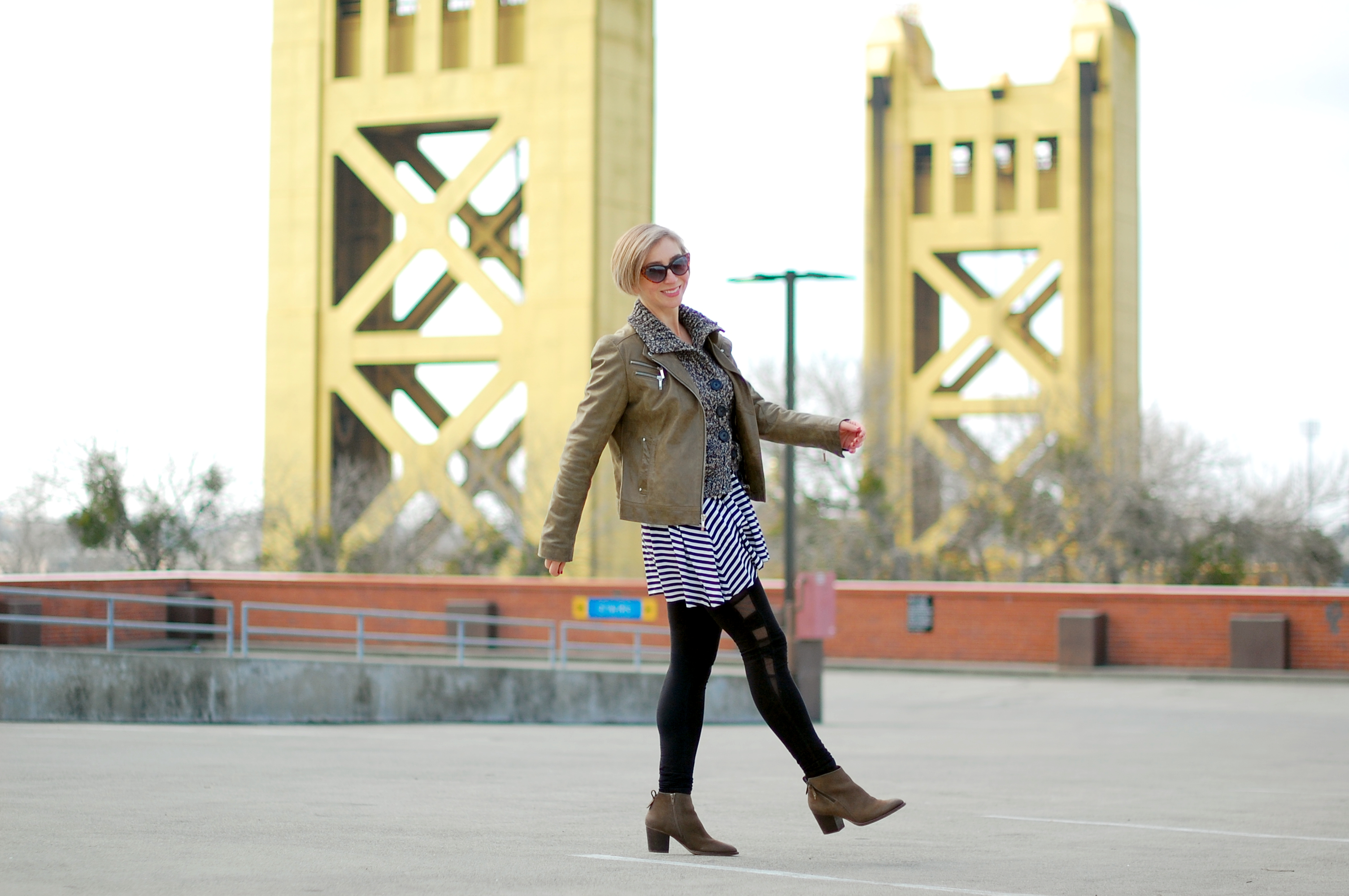 olive leather jacket tower bridge sacramento outfit blogger ootd