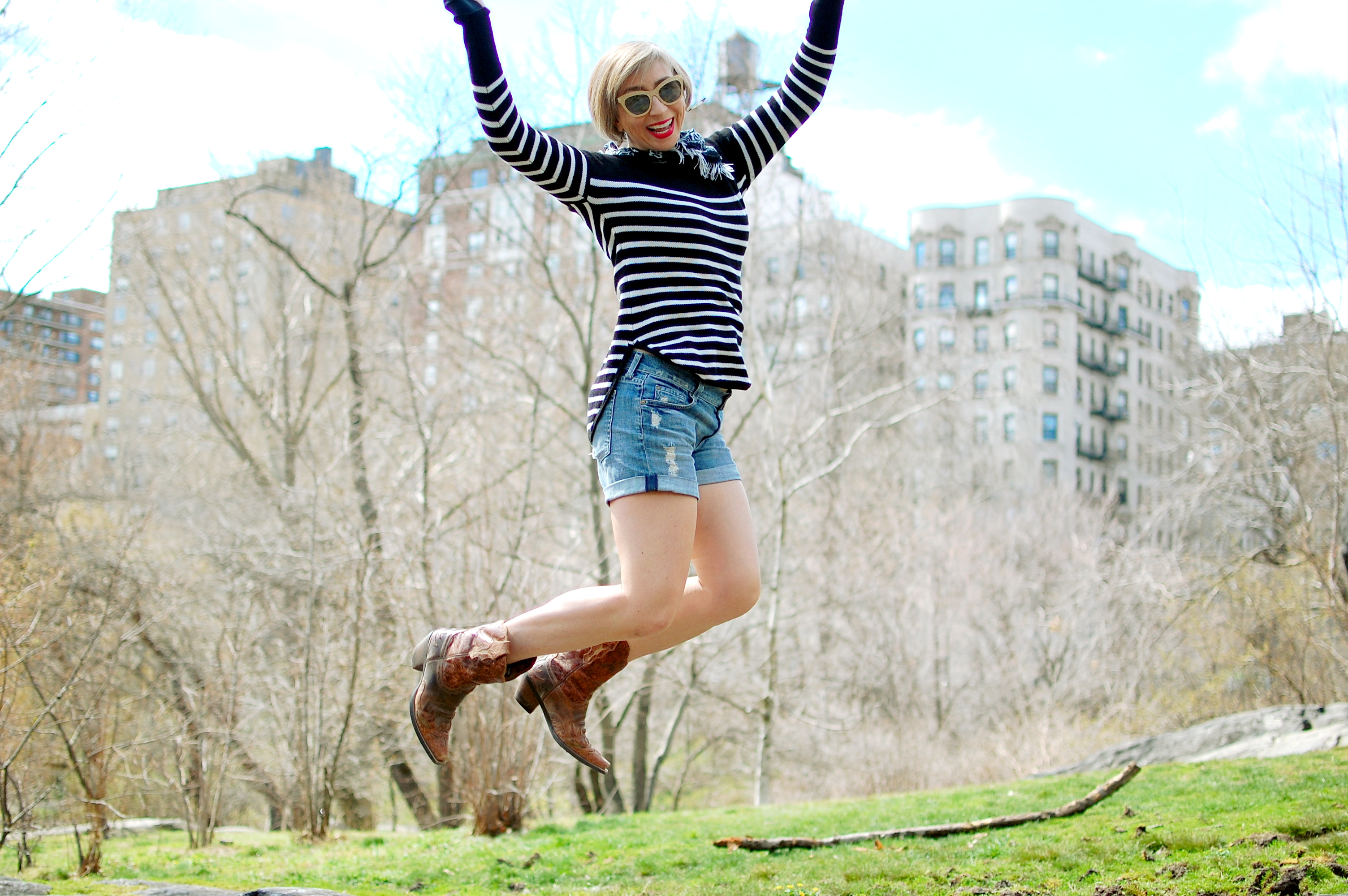 stripes jump nyc ootd tourist whatiwore2day