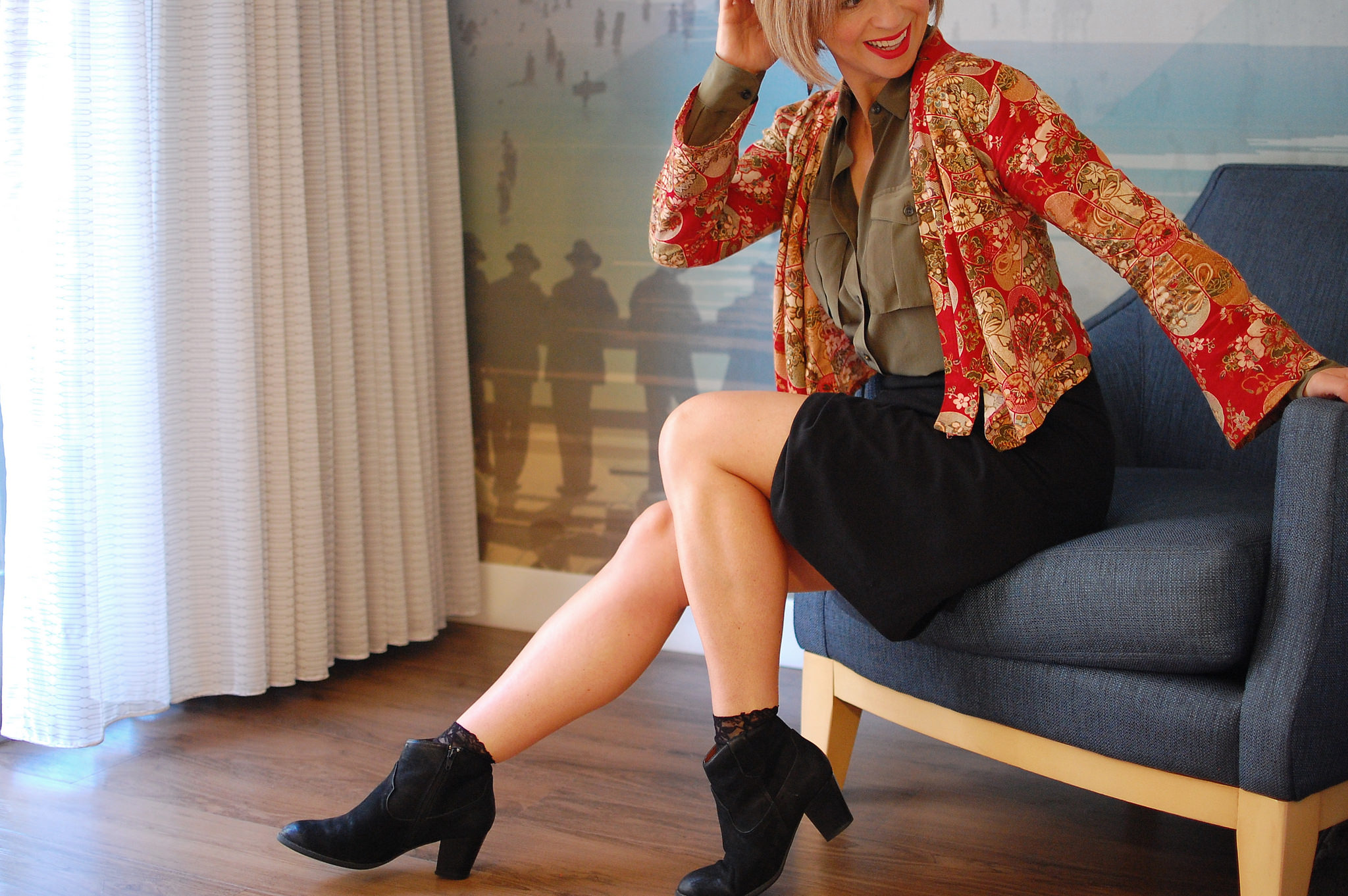 kimono black ankle boots business casual travel outfit ootd whatiwore2day