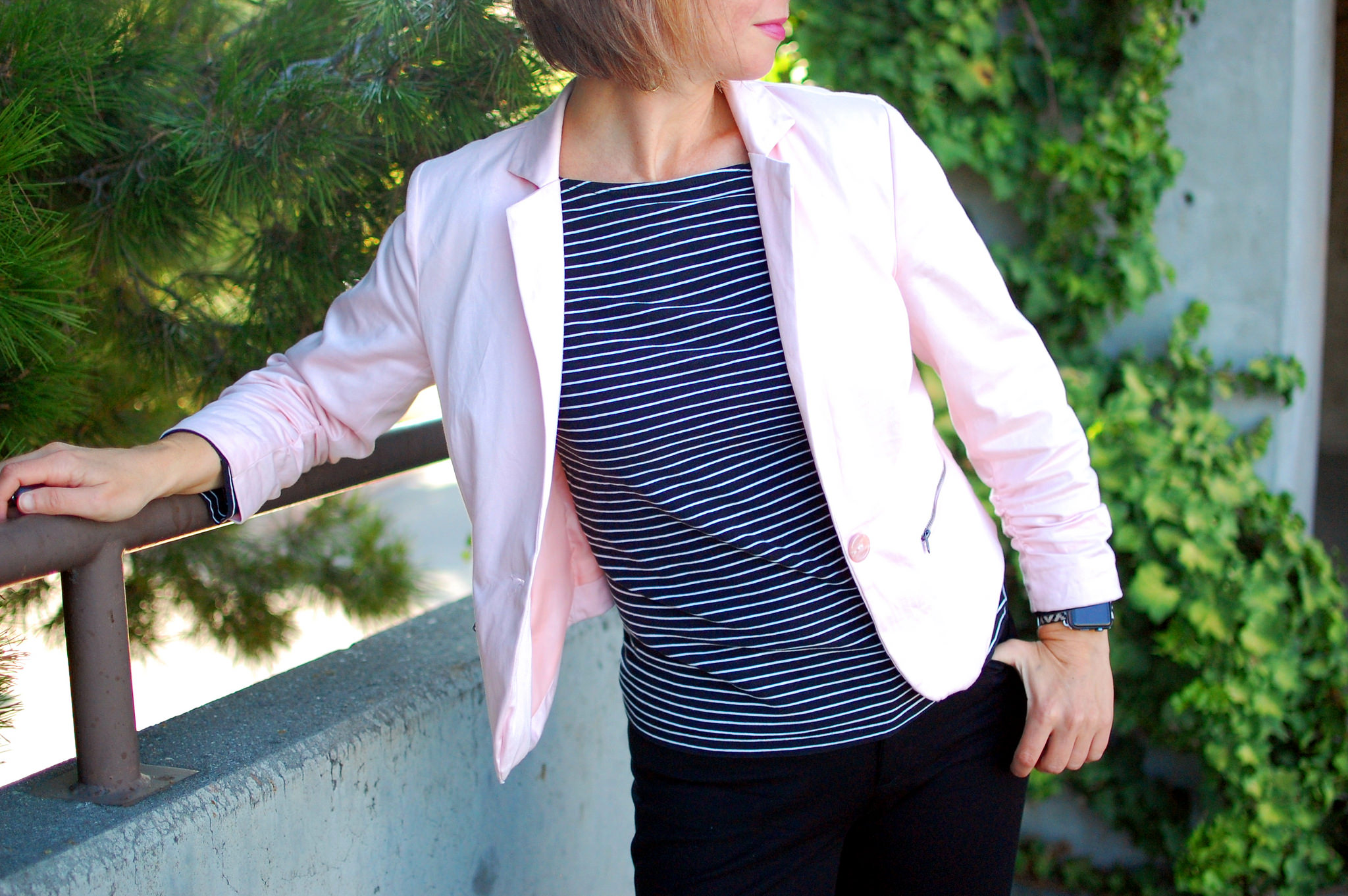 millenial blush pink blazer black white stripes daily outfit blog ootd whatiwore2day