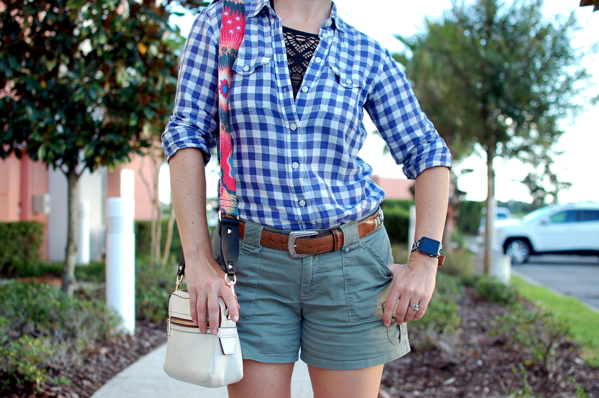 gingham shirt olive cargo shorts travel orlando daily outfit blog ootd whatiwore2day