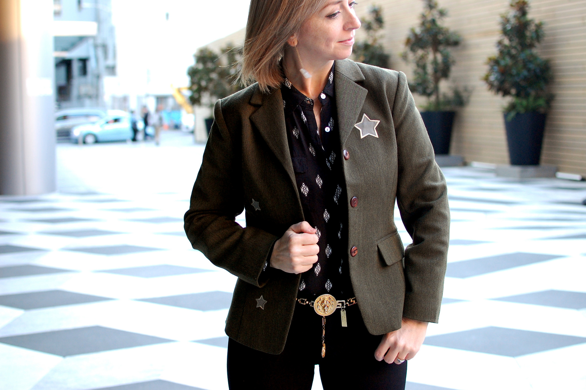 thrifted olive star blazer daily outfit blog whatiwore2day ootd