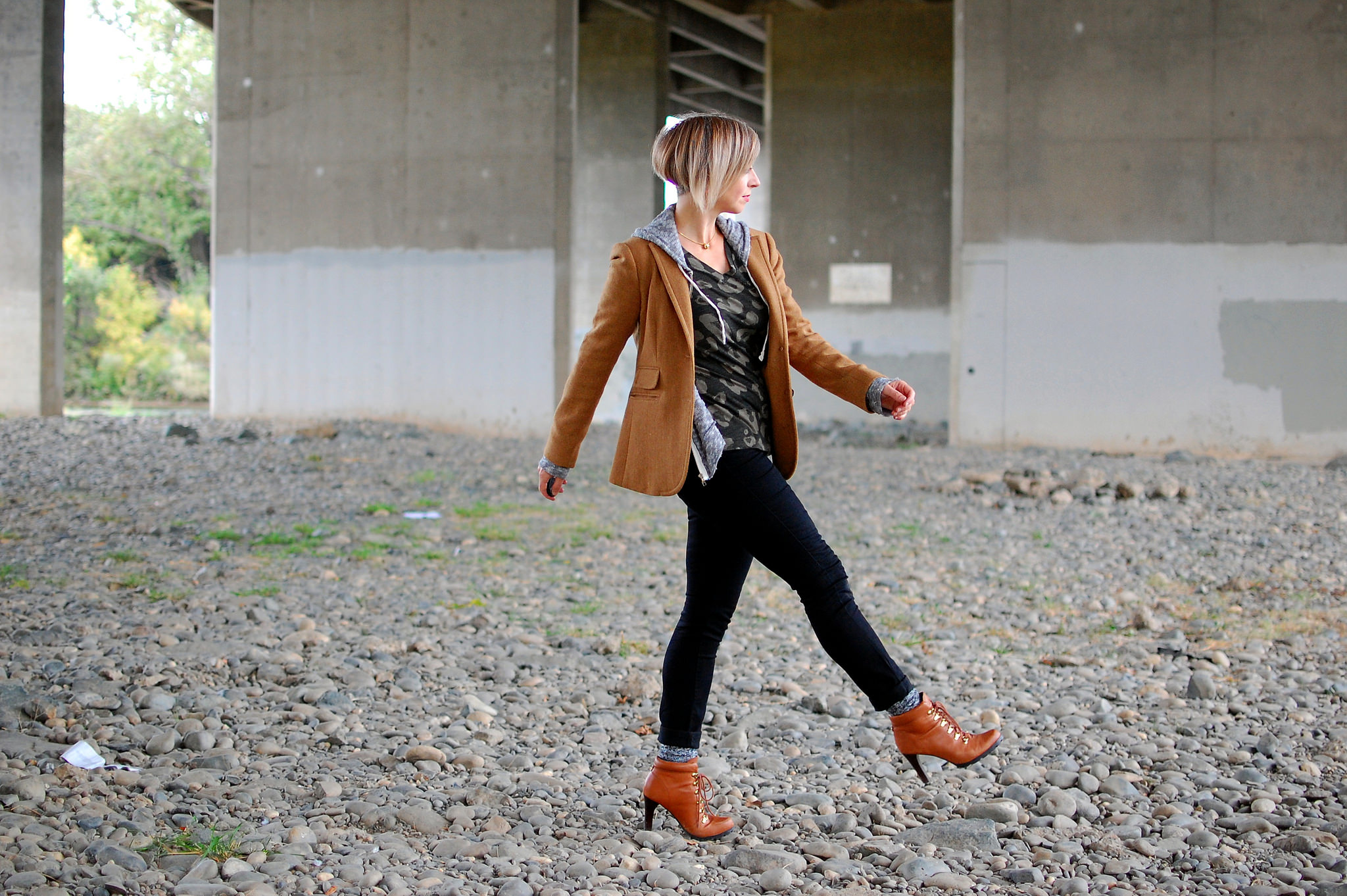 mail bag photo location daily outfit blog whatiwore2day ootd