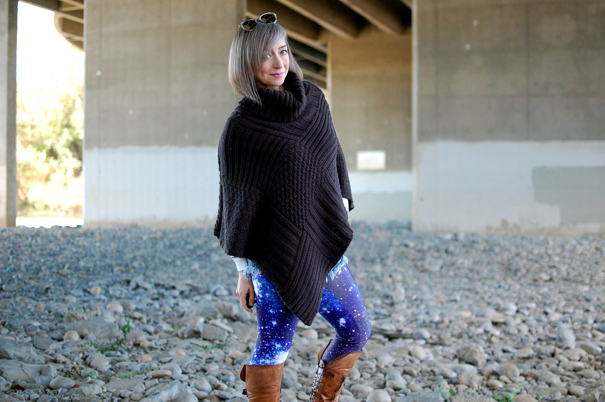 space galactic leggings poncho daily outfit blog ootd whatiwore2day