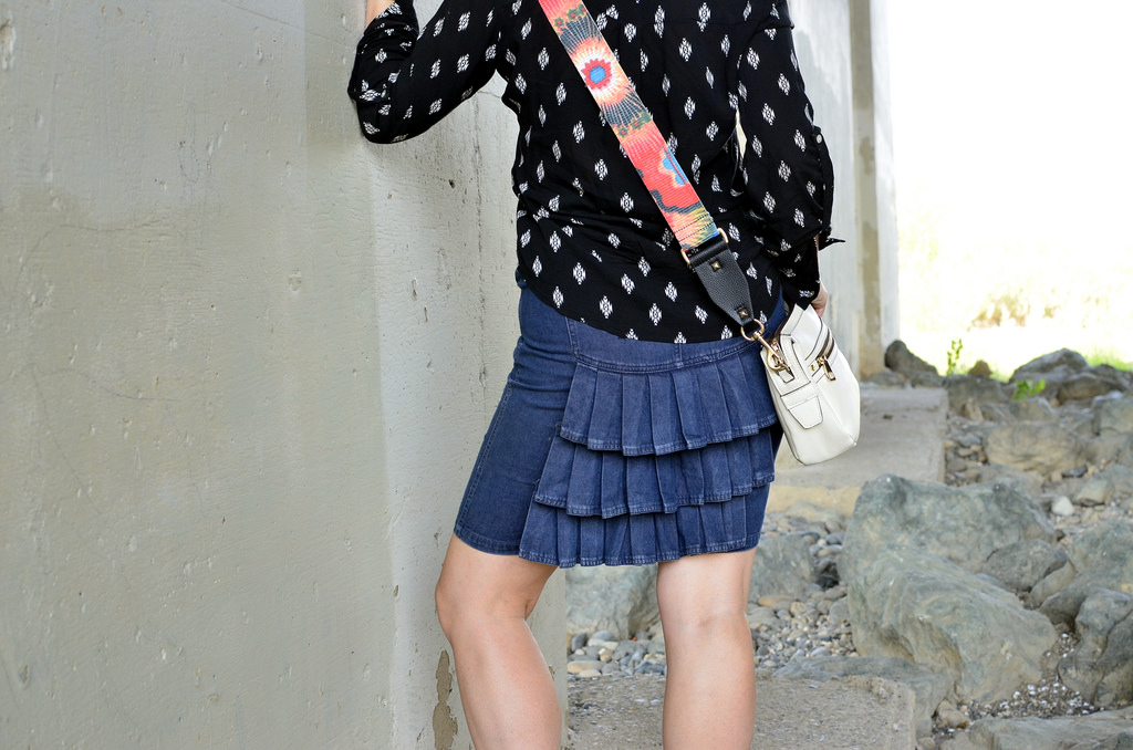 ruffle denim pencil skirt guitar strap purse daily outfit blog ootd whatiwore2day